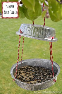 Bird Feeder by fivelittlechefs.com A simple #bird feeder, perfect for the backyard, and easy to make!