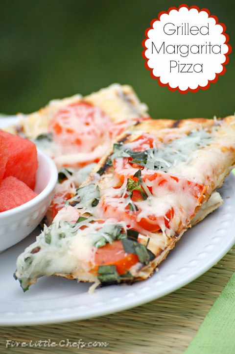 We love BBQ ideas. This Grilled Margarita Pizza is one of those perfect recipes for summer.