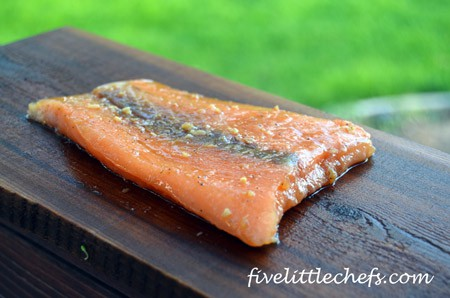 An easy salmon recipe to prepare with soy and ginger flavors from fivelittlechefs.com #salmon #kidscooking