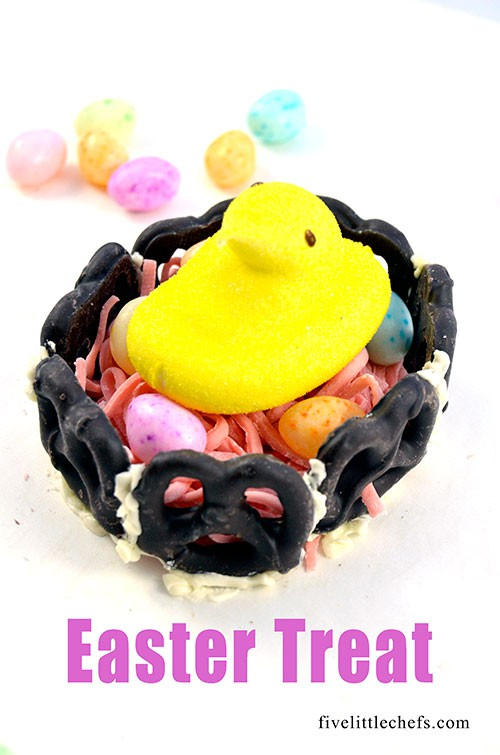Easter Treat easily made with pretzels and frosting. Fun for kids.