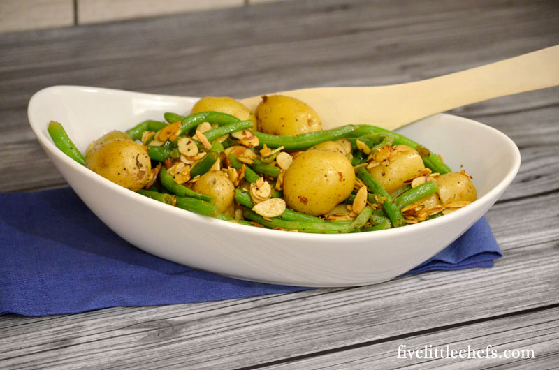 Lemon Pepper Green Beans and Potatoes is a fresh and easy side dish for perfect dinner and entertaining. These are simple and delicious ready in 15 minutes.